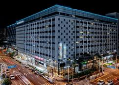 Days Hotel & Suites by Wyndham Incheon Airport - Incheon - Edificio