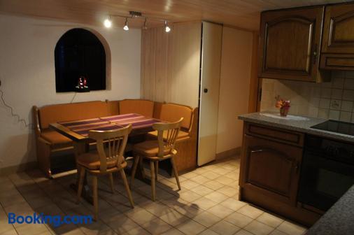 Hotel Helvetia - Zermatt - Dining room