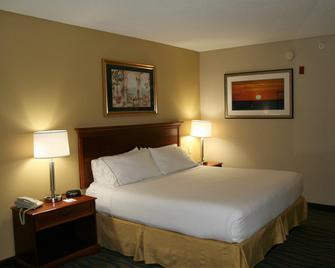Holiday Inn Express Hotel & Suites Brooksville West - Brooksville - Bedroom