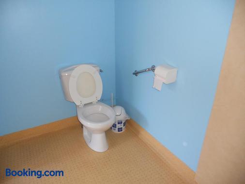 Auberge du Saut Des Cuves - Gérardmer - Bathroom