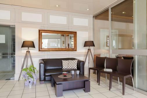 The Originals Access, Hôtel Colmar Gare (P'tit Dej-Hotel) - Colmar - Living room