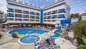 藍波套房酒店 - 阿蘭亞 - 游泳池