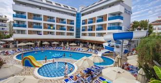 Blue Wave Suite Hotel - Alanya - Piscina