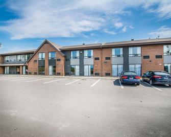 Comfort Inn Edmundston - Edmundston - Edificio