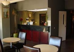 Clackamas Inn & Suites - Clackamas - Lobby