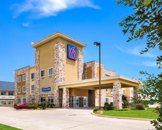 Motel 6 Mineral Wells, TX - Mineral Wells - Building