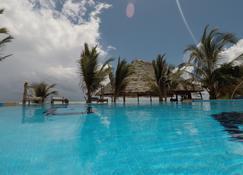 Queen of Sheba Beach Lodge - Pongwe - Pool