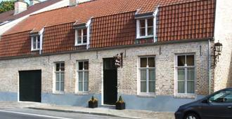 Auberge De Klasse - Veurne - Building