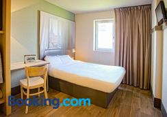 B&b Hôtel Mulhouse Ile Napoléon - Illzach - Bedroom