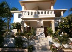 Casa Caleton - Río San Juan - Building