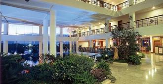 Kunming Dianchi Garden Hotel and Spa - קונמינג - בניין