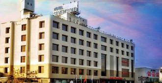 SilverCloud Hotel and Banquets - Ahmedabad