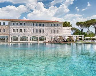 Terme di Saturnia Natural Spa & Golf Resort - The Leading Hotels of the World - Manciano - Gebäude
