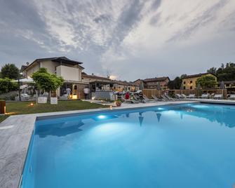 La Casa del Mulino - Merone - Bazén