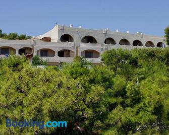 Hotel Abatis - Skala - Gebouw