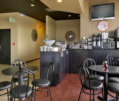 La Quinta Inn & Suites by Wyndham Spokane Downtown - Spokane - Food