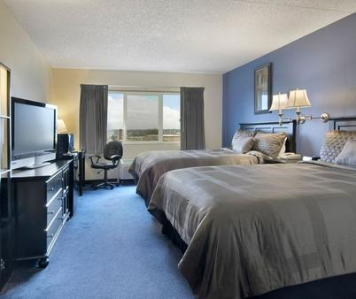 La Quinta Inn & Suites by Wyndham Spokane Downtown - Spokane - Bedroom