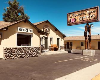 A Western Rose Motel - Cody / Yellowstone - Gebouw