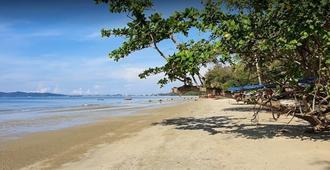 Banyan Resort @Rayong - Rayong - Beach