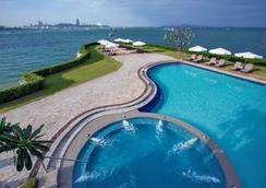 Dusit Thani Pattaya - Trung tâm Pattaya - Bể bơi