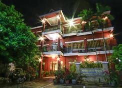 Botoum Hotel - סיסופון - בניין