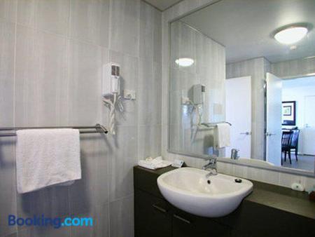 貝斯特韋斯特沙市酒店 - 臥龍崗 - 臥龍崗 - 浴室