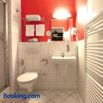 Grünau Hotel - Berlin - Bathroom
