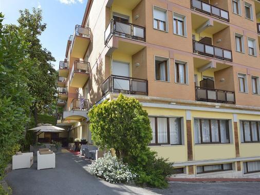 阿提可飯店 - 基安奇安諾泰爾梅 - 建築