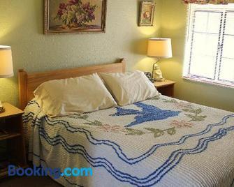 Blue Swallow Motel - Tucumcari - Bedroom