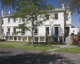 The Cheltenham Townhouse & Apartments - Cheltenham - Building