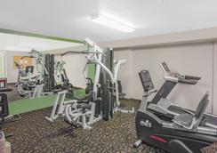 巴斯托速 8 酒店 - 巴斯托 - 巴斯托 - 健身房