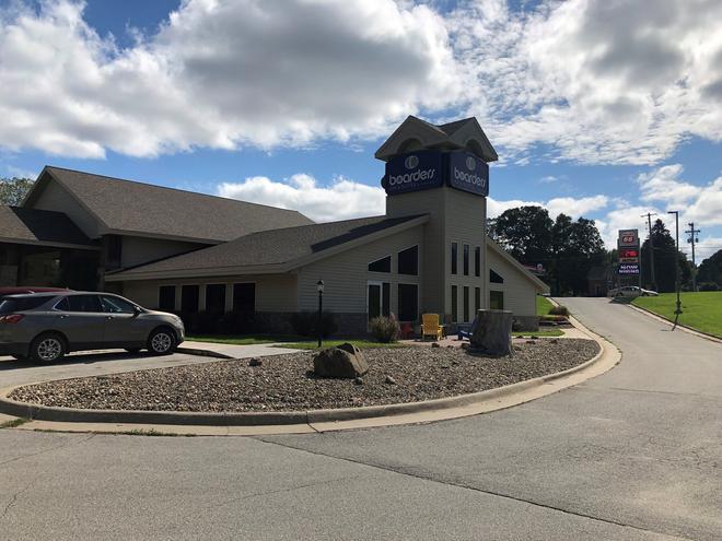 Boarders Inn & Suites by Cobblestone Hotels - Fayette - Fayette - Building
