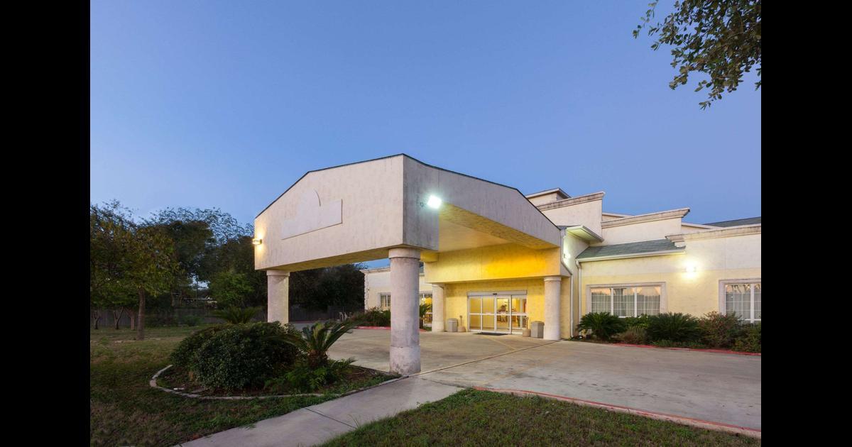 Days Inn By Wyndham San Antonio At Palo Alto 49 ̶8̶8̶