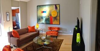 Modern And Beautiful for Two - All Remodeled, New Furniture & Appliances - Palm Springs - Wohnzimmer
