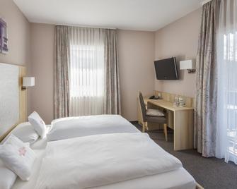 Hotel Schwär's Löwen - Freiburg im Breisgau - Slaapkamer