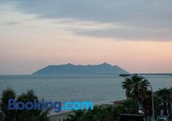 Hotel Ristorante Centosedici - Terracina - Outdoors view