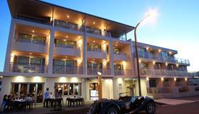 皇冠酒店 - 納皮爾 - 建築