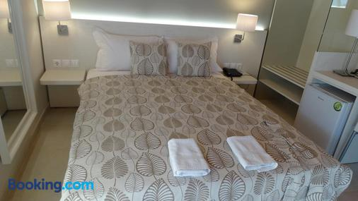 Athos Guest House Pansion - Ouranoupoli - Bedroom