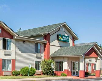 Quality Inn & Suites Middletown - Franklin - Franklin - Gebouw