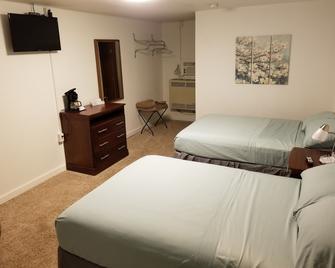 Lake Land Inn - Whitehall - Bedroom
