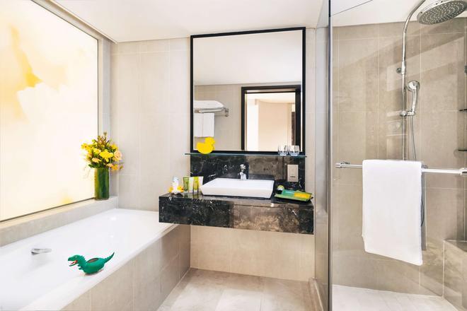 Royal Plaza on Scotts - Singapore - Bathroom