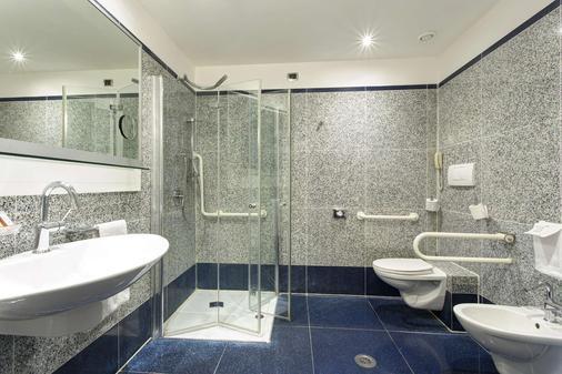 貝斯特韋斯特普拉斯環球酒店 - 羅馬 - 羅馬 - 浴室