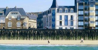 Mercure St Malo Front De Mer - Saint-Malo - Building