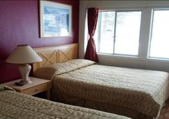 Stateline Economy Inn & Suites - South Lake Tahoe - Bedroom