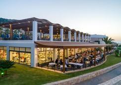 Grand Hotel Holiday Resort - Hersonissos