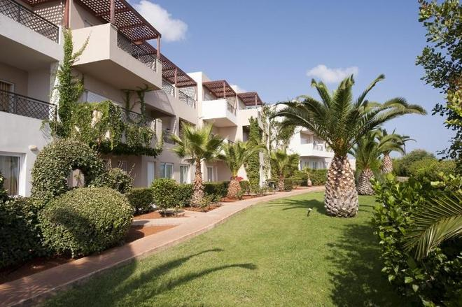 Grand Hotel Holiday Resort - Hersonissos - Rakennus