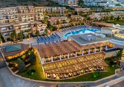 Grand Hotel Holiday Resort - Hersonissos - Pool