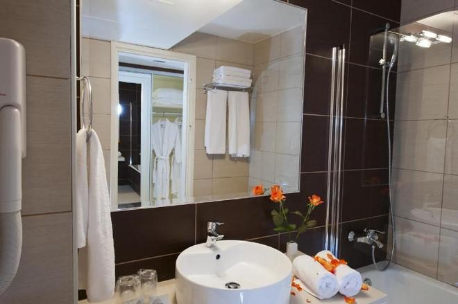 Grand Hotel Holiday Resort - Hersonissos - Kylpyhuone