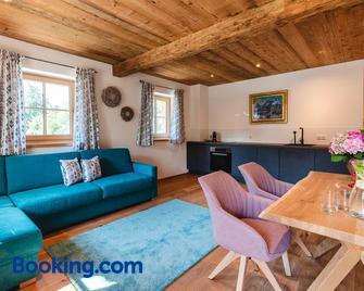 Appartementhaus Plainstöckl - Bergheim - Living room