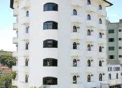 호텔 몬타나 세하 네그라 - 세라니그라 - 건물